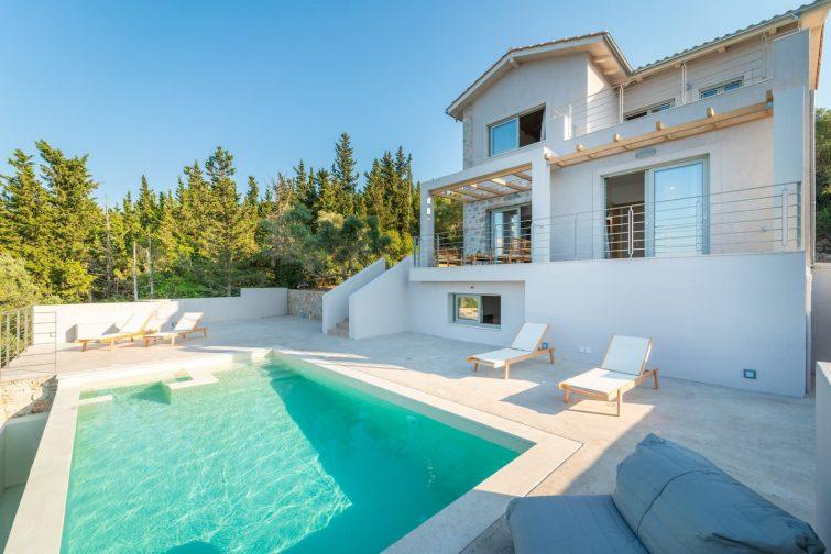 Villa d'exception avec piscine à débordement et jacuzzi
