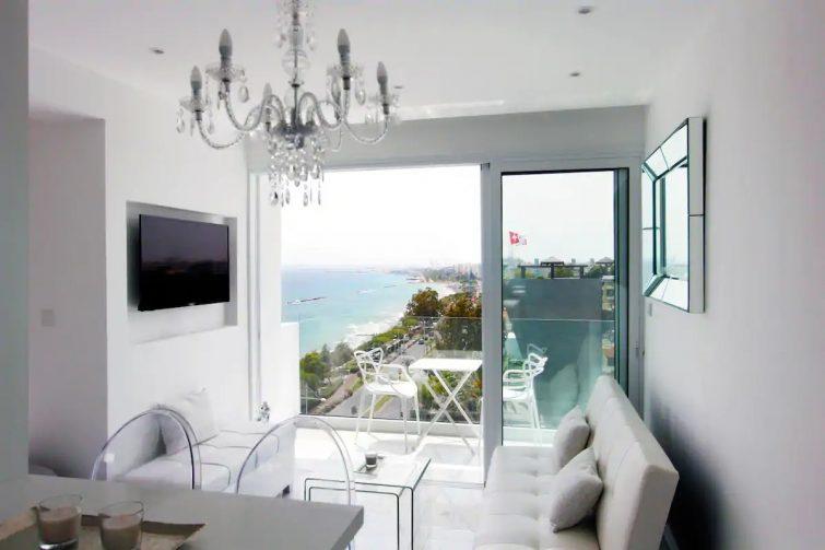 White Pearl Suite Beachfront City Centre Sea Views