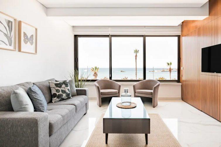 Phaedrus Living Seaview Luxury Marina Court