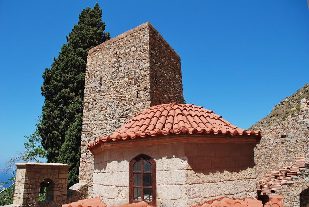 Visiter Tilos : monastère d'Agios Panteleimon