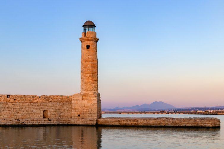 Le vieux port et son phare - visiter Réthymnon