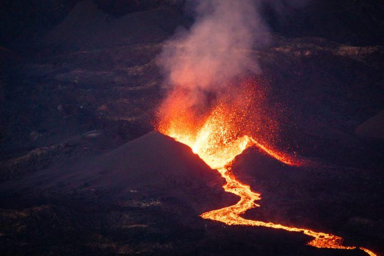 Le Piton de la Fournaise, un des volcans les plus actifs du monde